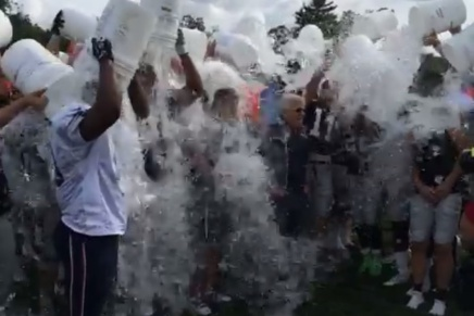 Robert Kraft and Bill Belichick (Along With the Whole Team) Do the Ice Bucket Challenge